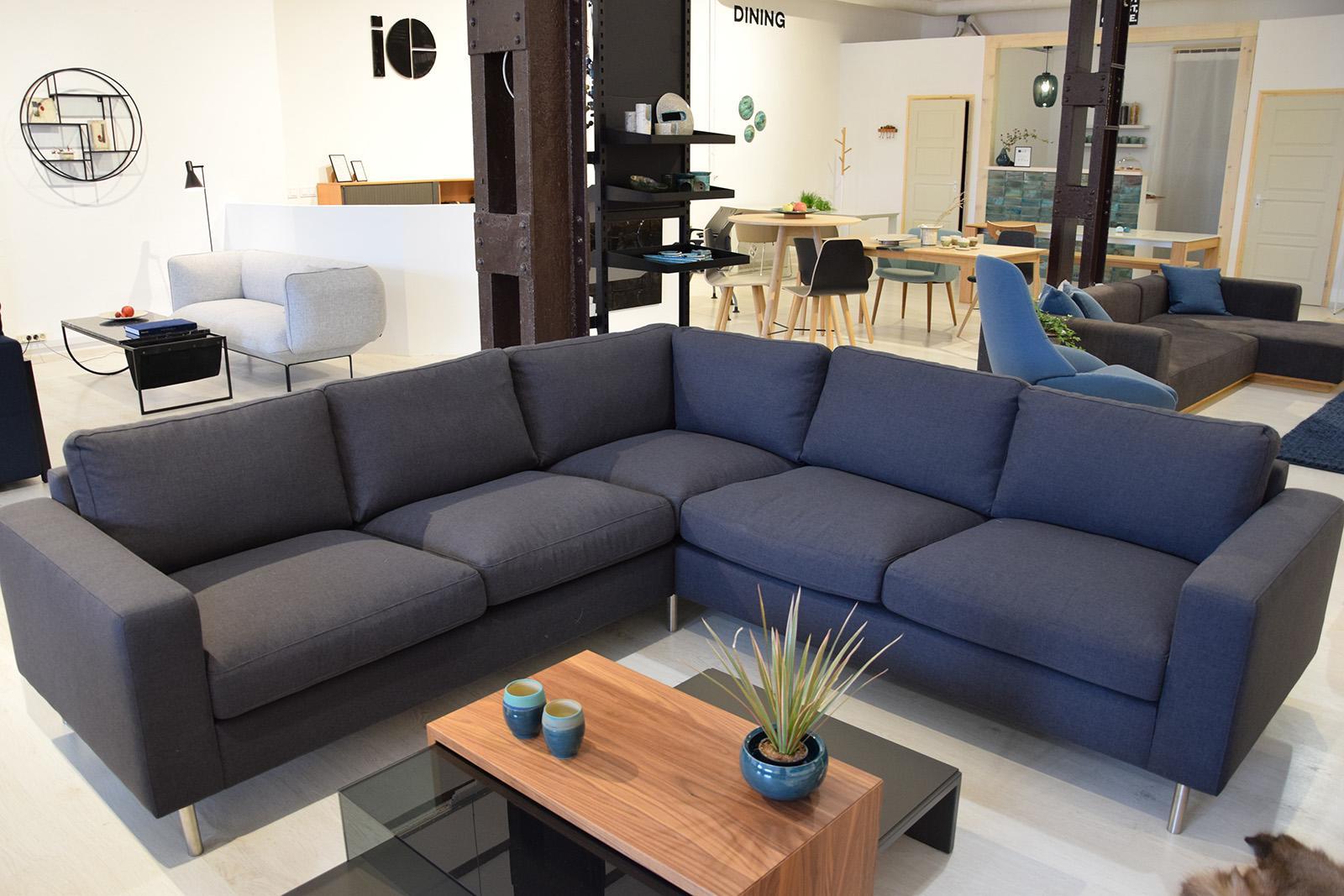 SCANDINAVIA 5 Seater corner sofa - Showroom furniture