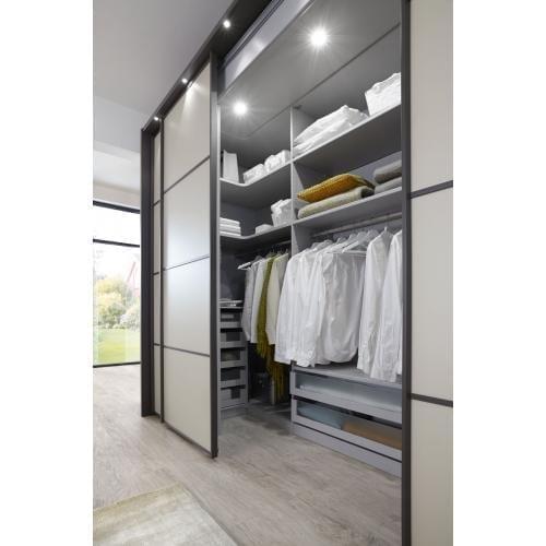 MULTIPLUS_1179_16_Havanna-D.,Fr. Champagner-D._begehbarer Kleiderschrank 300cm_Detail links-wardrobe-gardrob-szekreny-cabinet-wiemann