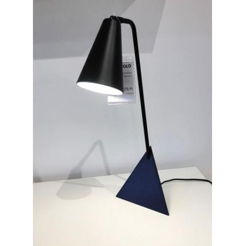 bolia triangolo table lamp at innoconcept'showroom