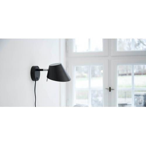frandsen_office_metal_wall_lamp_matt_black