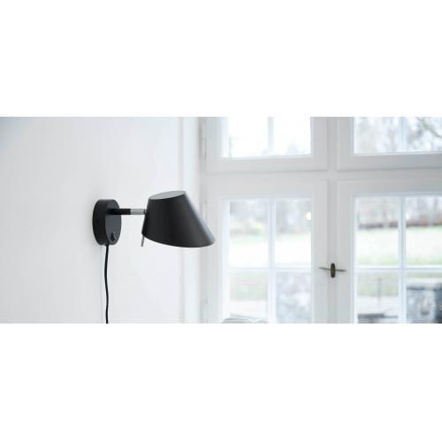 frandsen_office_metal_wall_lamp_matt_black