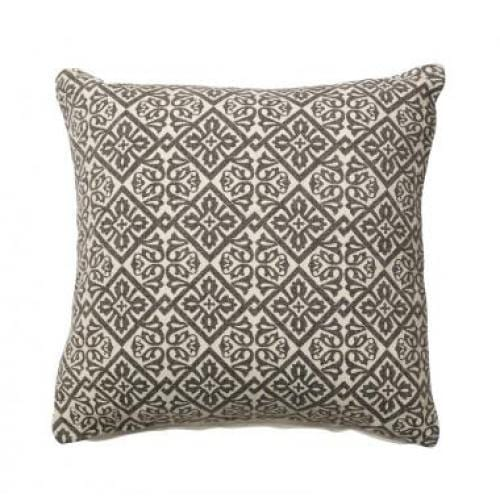 furninova_aratha_beige_cushion_innoconcept_parna_1
