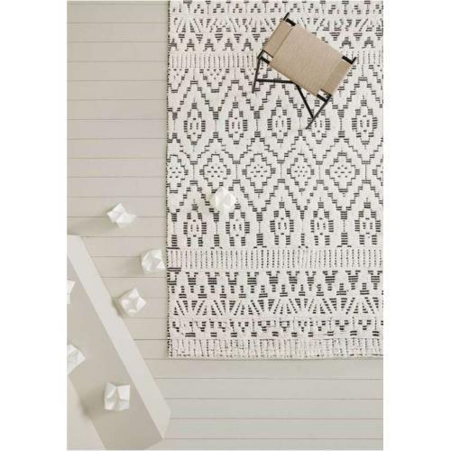 zelbio_handmade_wool_carpet_white_black