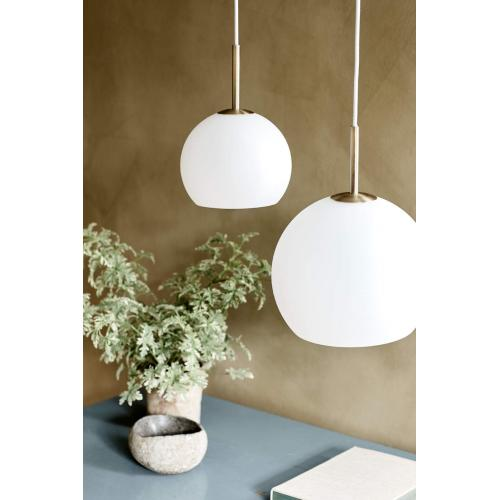 Ball pendant glass opal white – Lifestyle Obdrupgaard 1576+1596_V1-feher-opal-uveg-fuggolampa-00