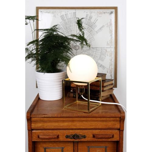 globen-lighting-cube-table-lamp-brass-asztali-lampa-rez_02