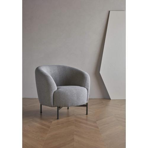 Kragelund-Gran-armchair-with-x-metal-legs-fotel-x-fem-labbal- (2)