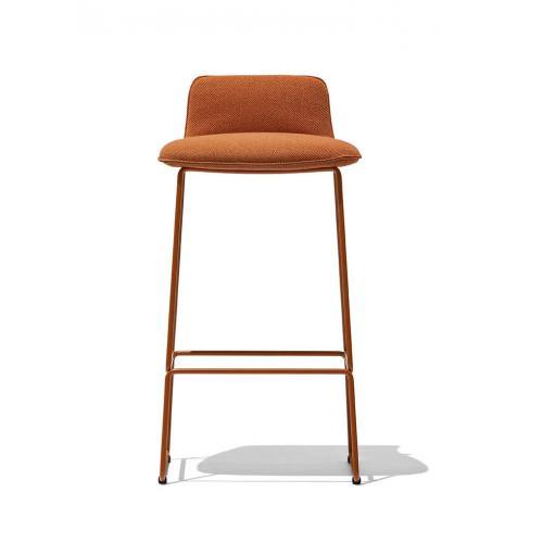 Connubia-Riley-barstool-upholstered-sled-legs-barszek-karpitozott-szanko-labak-1