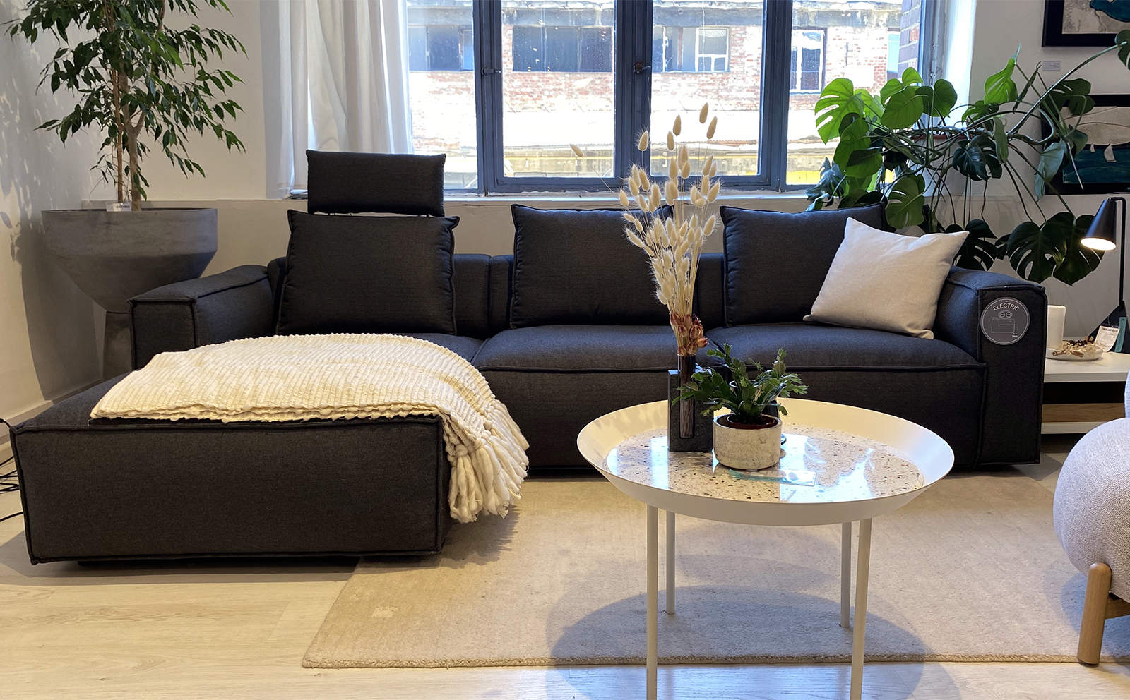 Levane 2 Seater Sofa With Chaise Longue Showroom Furniture Innoconcept
